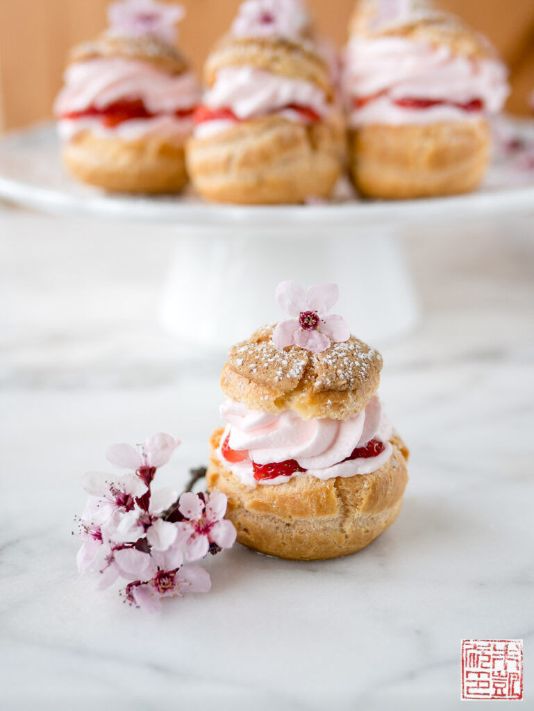 Sakura Strawberry Cream Puffs Single