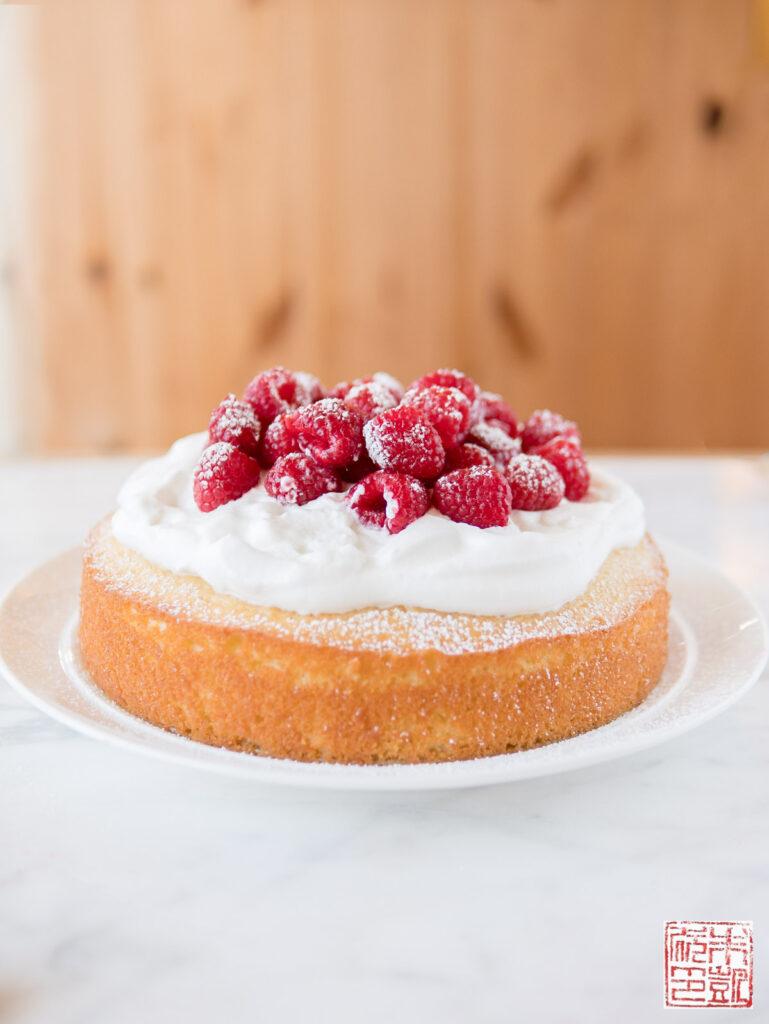 French Yogurt Cake Front