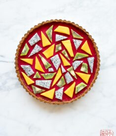 Cranberry Curd Speculoos Tart